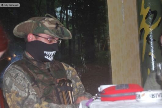 Visurât echipat de război